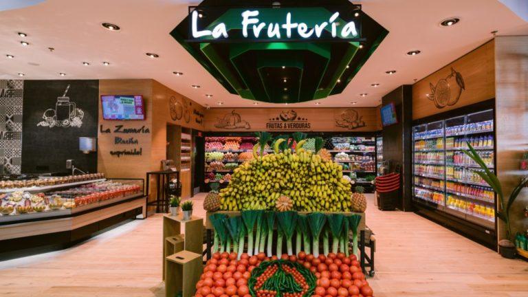 """muebles-exkal-en-spar-puerto-rico,-supermercado-ganador-de-""""euroshop-retaildesign-award-2020"""""""